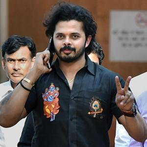 Sreesanth seeks BCCI nod for training, eyes 'selection'