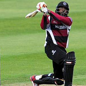 Gayle's 62-ball-151 for Somerset goes in vain