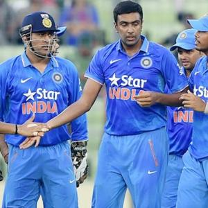 Dhoni hits out at fast bowlers again