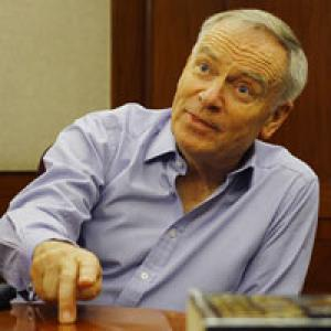 Jeffrey Archer to Team India: Don't be Bollywood stars!
