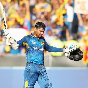 Sri Lanka want 'unbelievable' Sangakkara to play on