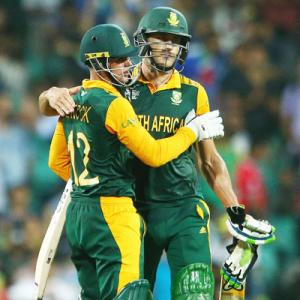 South Africa thrash Sri Lanka, break 'knock-out jinx'