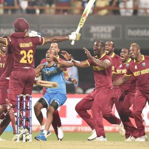 Emotional Sammy slams West Indies Cricket Board