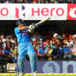 India are favourites for WT20, but Dhoni acknowledges a problem...
