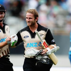 Auckland T20: Record breakers Guptill, Munro lead NZ sweep