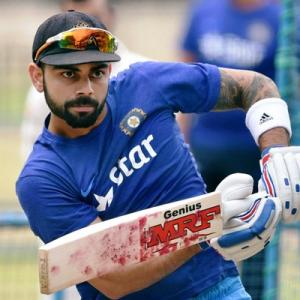 'Virat is under less pressure than Dhoni'