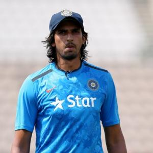Ishant down with chikungunya, ruled out of Kanpur Test