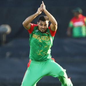 Mind games begin: Mashrafe calls India favourites