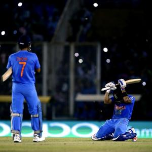 How Kohli single-handedly carried India into World T20 semis
