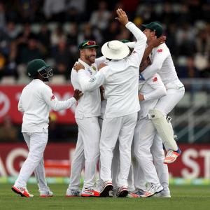 PHOTOS: South Africa in control after Australia crash for 85