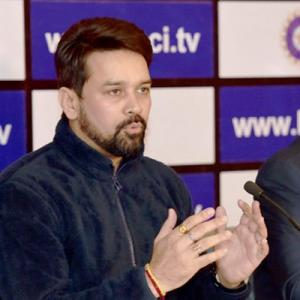 Supreme Court bars BCCI from releasing funds, postpones hearing