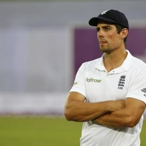 Record-nearing captain Cook may step down after India series