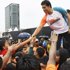 Tendulkar bats for healthy and fit India
