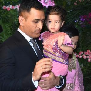 Adorable Ziva Dhoni at Virushka's reception