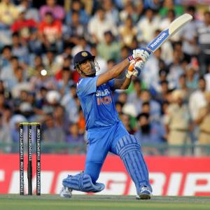 Where should Dhoni bat in ODIs?