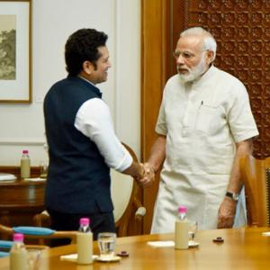 Tendulkar receives PM Modi's blessings