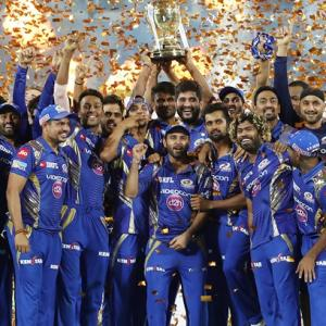 Twitter reacts after thrilling Mumbai Indians' win