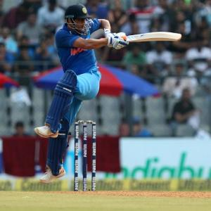 Dhoni unperturbed by calls to quit