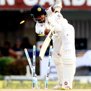 Sri Lanka hold on for tense draw after Kohli masterclass