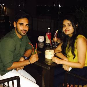 Bhuvi enjoys relaxed evening with his 'better half'
