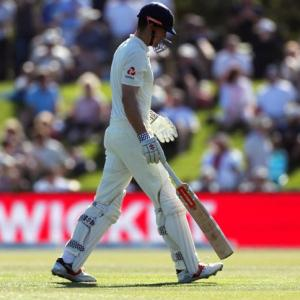 Cook's slump continues; questions about retirement again likely