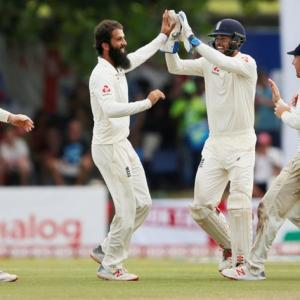 Moeen bowls England to big win over Sri Lanka