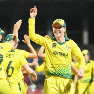 Women give Aus cricket redemption in scandalous year