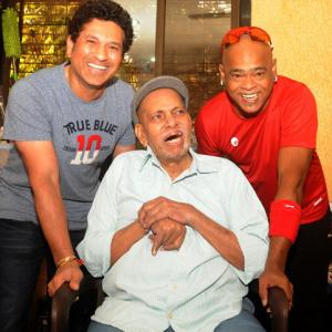 PIX: Tendulkar, Kambli seek Achrekar's blessings!