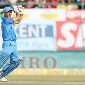 Asia Cup: Cautious Dhoni stops short of criticising umpiring