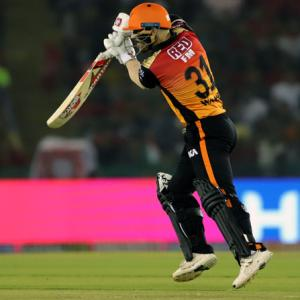 A new IPL record for SRH run-machine Warner