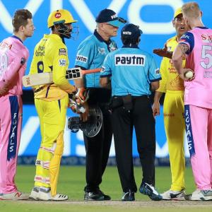 IPL 2019: Umpires bungle and stars let it rip