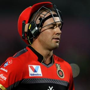 AB de Villiers' suggestion to avoid slow over-rate...