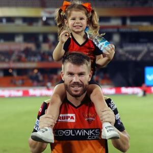 PIX: Ivy, Indi Warner celebrate SRH win with dad David