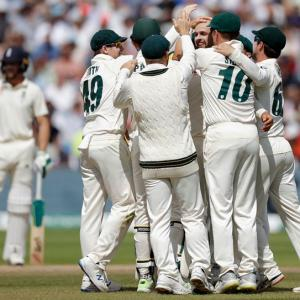 Ashes: Lyon's six helps Aus crush England in opener