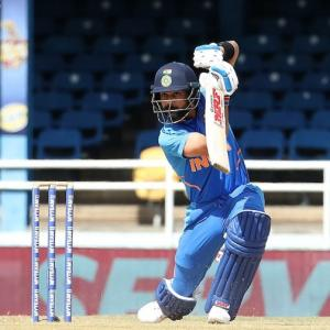 Kohli breaks Miandad's 26-year-old record