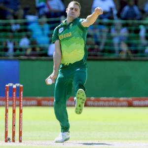 SA pick three uncapped players for India Tests