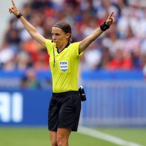 PIX: First female ref to officiate Super Cup is ready