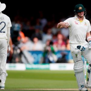 Smith doubtful starter for third Ashes Test