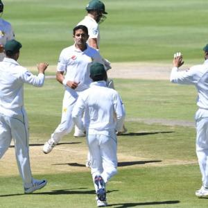 3rd Test: Pakistan lose late wickets after South Africa collapse