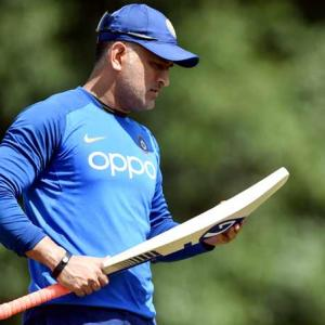 What should India do with Dhoni?