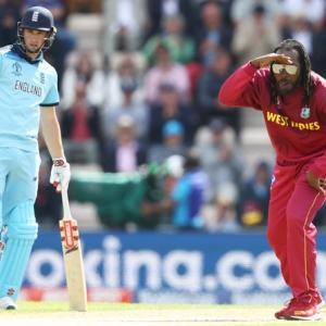 Showman Gayle still swaggers in universe of his own