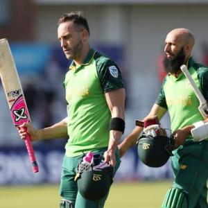 PICS: South Africa dent SL semis hopes after big win