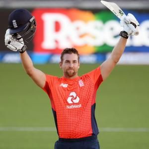 Malan-Morgan fireworks help England level T20 series