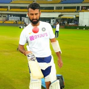 Pujara can't keep his eyes away from pink ball