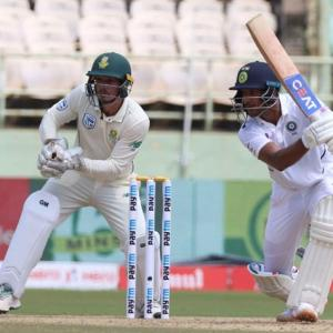 Agarwal plays fearlessly, like his idol Sehwag: VVS