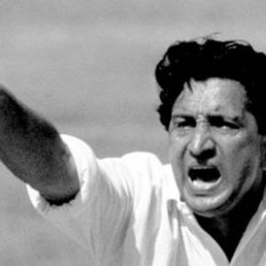 Former Pakistan spin great Qadir passes away