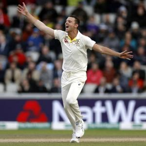 PHOTOS: England vs Australia, 4th Test, Day 3