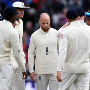 England retain squad for final Ashes Test despite loss
