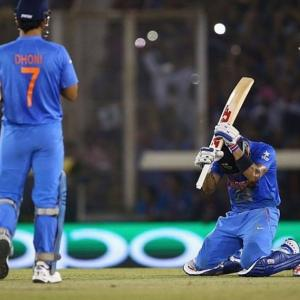 Kohli leaves fans guessing over Dhoni's retirement