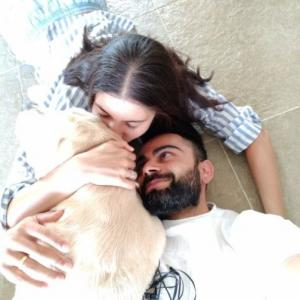 Heartmelt: Kohli can't keep his eyes off of Anushka!